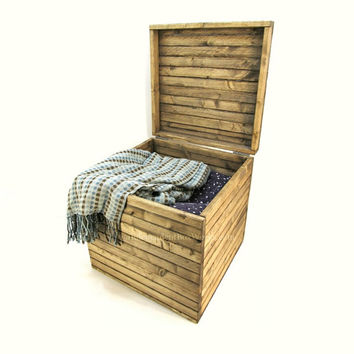 17x17x17 Rustic Wooden Storage Cube - Handmade 17 Inch Large Wood Crate with Lid - Country Nightstand, Slatted Side Table, Coffee Table Cube