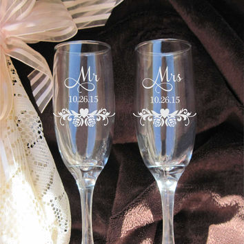 Etched Roses Heart Swirl, Etched Wedding Glasses, Bride and Groom Flutes, Mr Mrs Wedding Gift