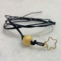 Tiny Charm -Star (Gold Tone) from Pelhuaz by Red