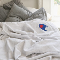 Champion Reverse Weave Throw Blanket | Urban Outfitters