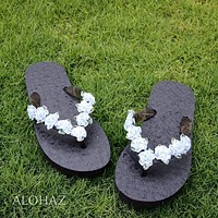 pretty blooms blue hawaiian flip flops*