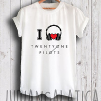 i love music twenty one pilots shirt twenty one pilots merch tshirt gray and white color unisex size