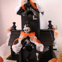 Howl A Day Inn Halloween Decoration by WhatWeMade on Etsy