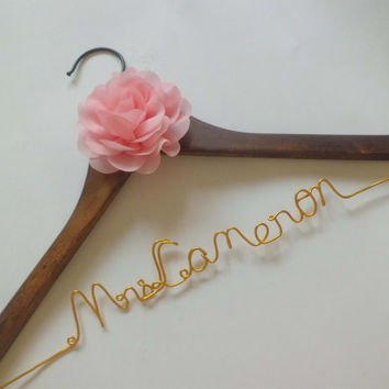Wedding Gift,Bride gift,Personalized Wedding Hangers, Bridal Hangers,  custom made wedding Hangers, Name Hanger,shower gifts