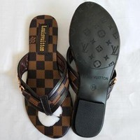 LV Louis Vuitton Summer Popular Women Casual Classic Plaid Flat Sandal Slippers Shoes