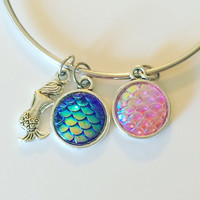 Iridescent 3D Scales Cabochons & Mermaid Charms Bracelet
