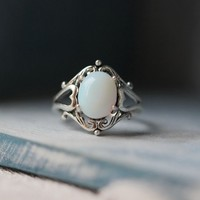 oval Moonstone Victorian Triple Moon Goddess Ring Wicca Pagan Jewelry [R28A] : The water for design jewelry