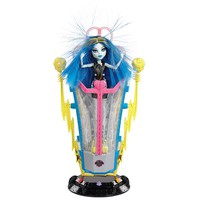 Monster High Freaky Fusion Recharge Chamber & Frankie Stein doll by Mattel