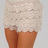Lay It On Lace Shorts: Cream