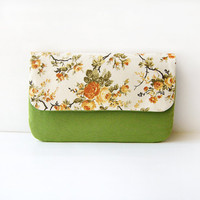 Green and Ivory Floral Pattern Clutch