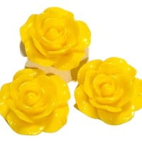 Yellow flower resin cabochon 15mm / 1-5 pieces