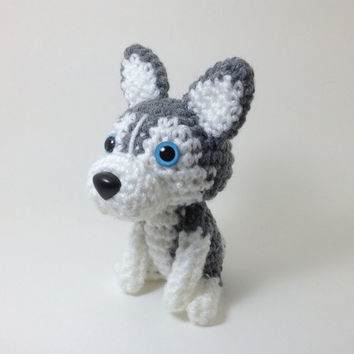 Siberian Husky Puppy Plush Crochet Dog Doll Amigurumi Dog Stuffed Animal Grey and White / Made to Order