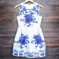 porcelain print embossed sleeveless dress