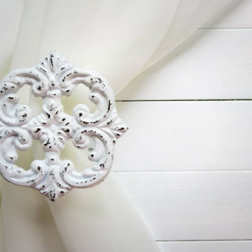 Metal Curtain Tie Backs / Curtain Tiebacks / Curtain Holdback / Drapery Tie Back / Shabby Chic Window / White Home Decor / Curtain Hook