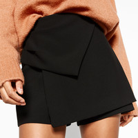 BERMUDA SHORTS WITH KNOT