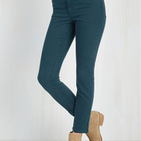 Skinny Solid Sense of Style Jeans in Lagoon