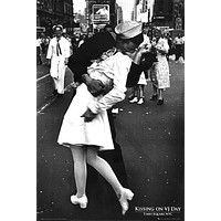 WWII KISS POSTER Kissing on VJ Day World War 2 RARE HOT NEW 24x36