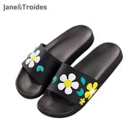 Summer Home Bathroom Shower Woman Slippers Floral Cute Lovely Thicken Antiskid Flip Flops Fashion Women Outdoor Shoes