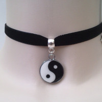 Lovely Enamel YIN & YANG Black/White Charm Pendant - Black 10mm Velvet Ribbon Choker Necklace -vn.... or choose another colour velvet :)