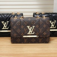 """Louis Vuitton""Simple Fashion Elegant Print Chain Package Logo Letter Mental Crossbody Bag Women Small Bag"