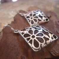 FLOWERED CUSHIONS EARRINGS with 925 silver hooks by AsaiBolivien 9,90 US$