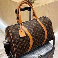 LV Louis Vuitton new product printed letters large-capacity handbag luggage bag travel bag