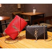 Women Retro Rhombus Letter Metal Chain Single Shoulder Messenger Bag Small Square Bag