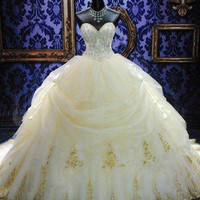 Elegant Sweetheart Ball Gowns Quinceanera Dresses Organza Gold Appliques Beaded Debutante Gowns Plus Size Sweet 16 Dress Custom