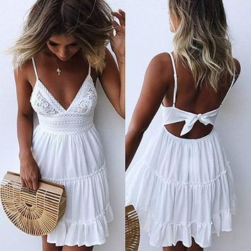 2019 Summer Ladies Bohemian Beach Sexy Spaghetti Strap Deep V-neck Dress Casual Sleeveless Backless Bow Lace Patchwork Dresses