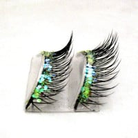 Natural Iridescence Glitter Faux Lashes