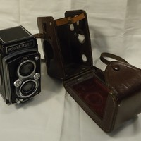 Rolleiflex 1937 Camera with Case 6in x 4in x 4in Metal Leather -- Used