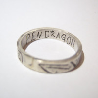 Merlin King Arthur etched silver ring with PENDRAGON inscription