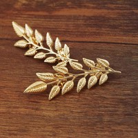 European And American Style Retro Golden Leaves Suit Collar Shirt Collar Pin Buckle Collar Clip Brooch Unisex  Rhinestone Brooch