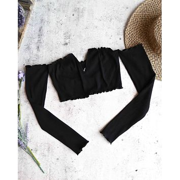 Reverse - Pretty Lady Ribbed Crop Top with Long Sleeves in Black