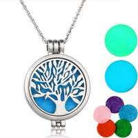 Aromatherapy Necklace Silver Color with Tree of Life Pattern Locket Pendant Oils Essential Diffuser Necklace & 7 Felt Pads