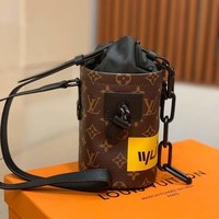 Louis Vuitton Lv Bag #699