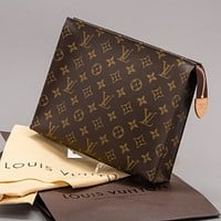 Louis Vuitton LV Classic Plaid Letter Print Pattern Toast Bag Fashion Men's and Women's Clutches Cosmetic Bags
