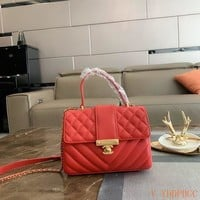 180 Fashion Classic Flap Bag Chain Crossbody Handle Quilted V Pattern Messenger Bag 23-10-18cm