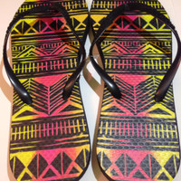 Women's Multicolored Tribal Print Flip Flops / Sandals Size 7-8