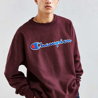 Champion Reverse Weave Script Crew Neck Sweatshirt - Urban Outfitters