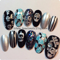 Ready to Ship*, Handpaint Halloween / Skulls / Goth/Gothic Nails ,3D charms, Press on Nails, False nails, Fake nails ,Gel Nail art