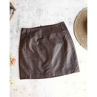 Free People - Mini Retro Bodycon Vegan Leather Skirt in Brown