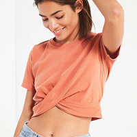 UO Twist Front Cropped Tee | Urban Outfitters