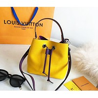 LV 2019 new water ripple female models simple bucket bag shoulder bag yellow