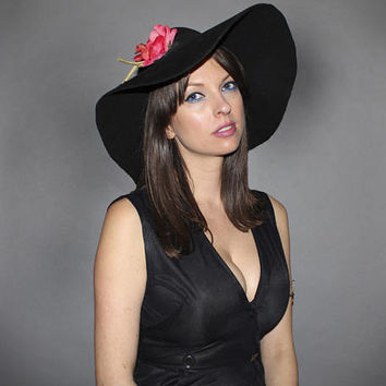 Vintage 70s BLACK FLOPPY HAT / Oversized Wide Brim / Love Witch / Big Boho Hat / Felt Wool, Pink Flower / Bohemian, Hippie, Groovy, Witchy