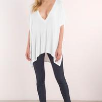 Alley Plunging Tee