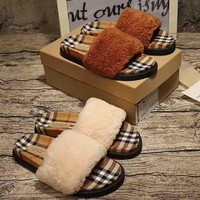 Burberry New fashion women and men sandals plaid canvas slippers single shoe two color