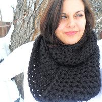 Chunky Black Infinity Scarf by SoLaynaInspirations on Etsy