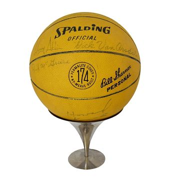 '66 '67 NY Knicks Basketball Team Coach Autographed Willis Reed Cazzie Russell Walt Bellamy