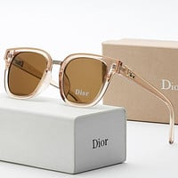 DIOR mens and womens street photography travel sunglasses-2